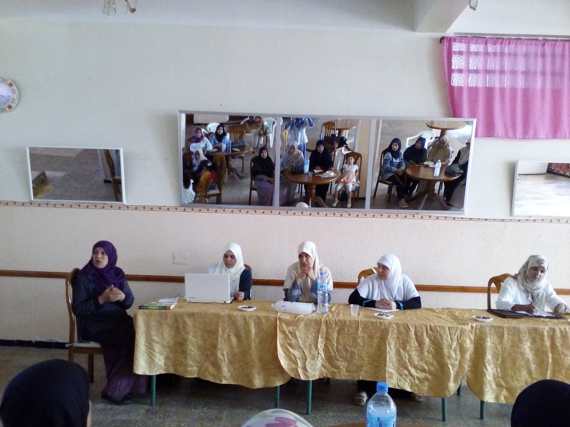 ندوة مخصصة للنساء بعنوان الأسرة الجزائرية 2 - جمعية العلماء المسلمين الجزائريين - شعبة عنابة