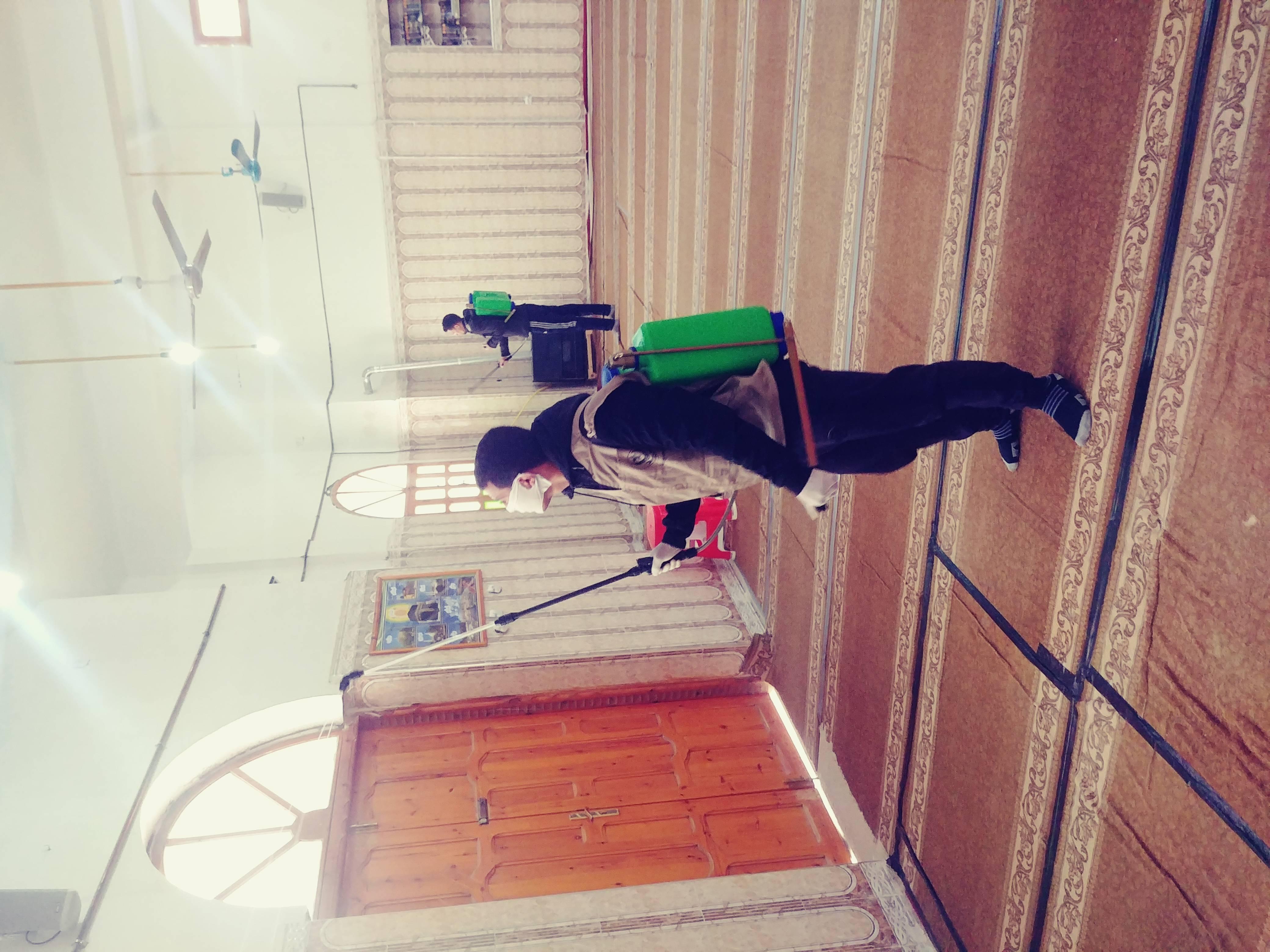 حملة تعقيم للمحلات و المقاهي و المساجد  - قدماء الكشافة الاسلامية الجزائرية - فوج محمد بوراس العقلة ولاية تبسة -