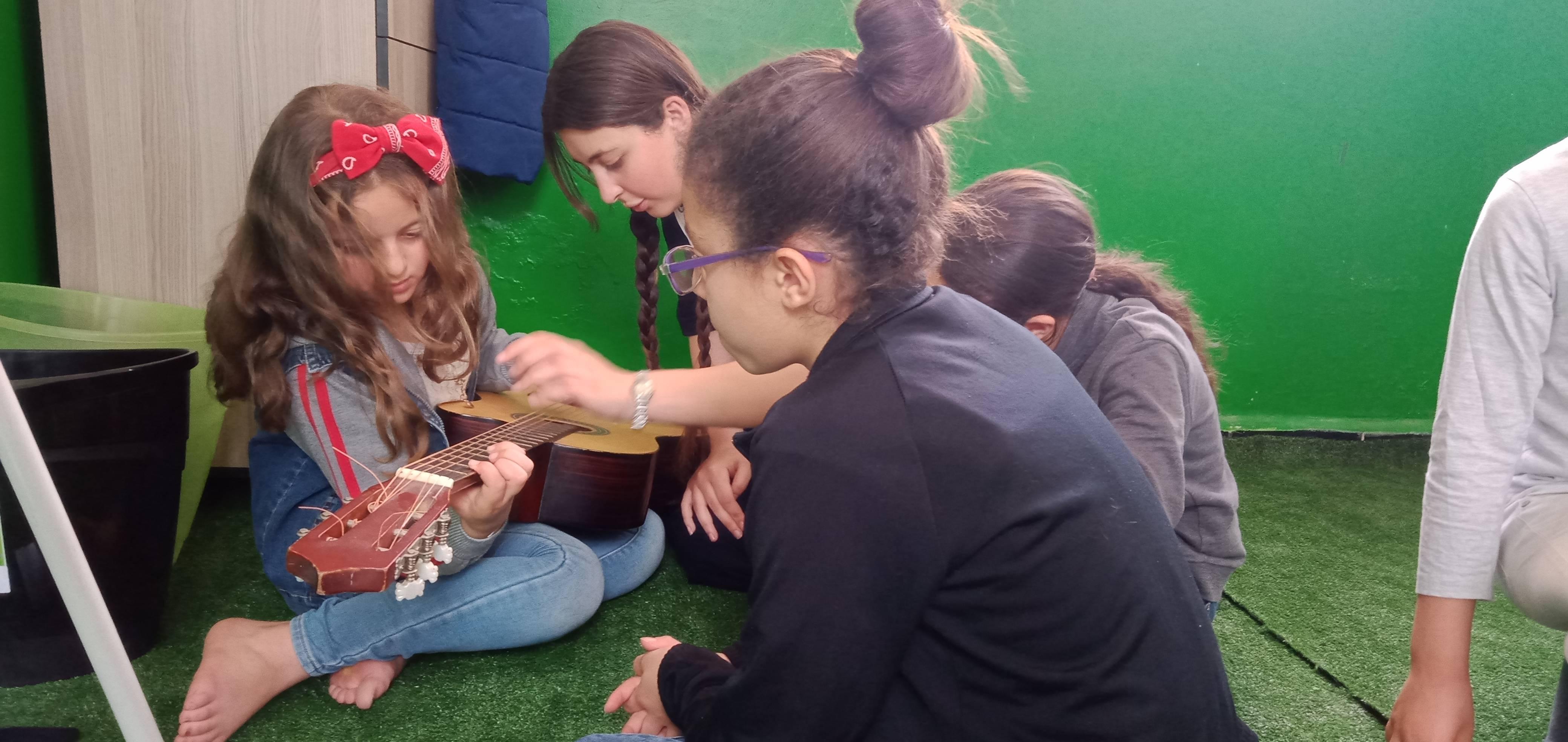 Animation socio-culturelle - ACJE Biziou - الجمعية الثقافية للشبيبة و الطفولة بيزيو
